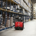 3010-pallet-truck-warehouse