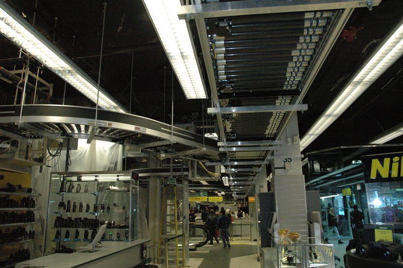 conveyor-system-at-b-h-photo-1
