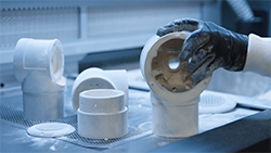 FR-bastian-robotic_arm_order_picking_shuttle_additive_mfg_250px