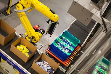 Goods to Robot Picking System