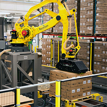 warehouse-technology-automation-industrial-robotic-case-palletizing
