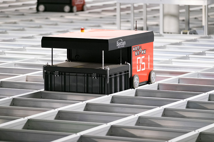 autostore-robot-picking-container-from-grid